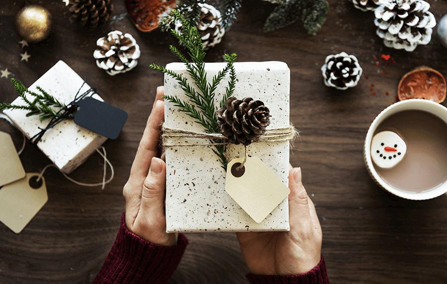 Купете божиќен подарок за баба и дедо, ќе се радуваат како деца