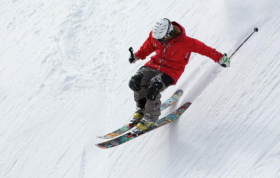 Зимски спортови кои мора да ги пробаш!